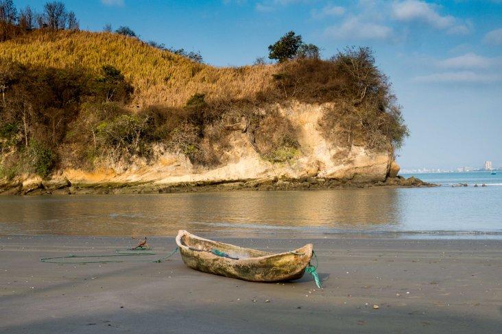 Súa: Dugout fishing boat